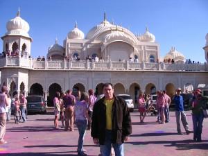 США, штат Юта. храм кришнаитов, проводы зимы