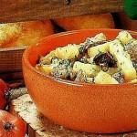 грибы, тушеные с картофелем